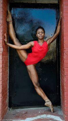 The Daily Ballet — therockschool: Rock Alumna, Het Nationale Junior. Black Dancers, Ballet Dancers, Black Girls Rock, Black Girl Magic, Black Ballerina, Misty Copeland, Dance Poses, Ballet Photography, Black Women Art