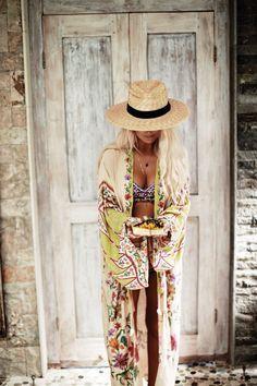 New Ideas Moda Boho Hippie Bohemian Beach Covers Mode Hippie, Bohemian Mode, Hippie Chic, Bohemian Style, Bohemian Fashion, Hippie Bohemian, Bohemian Beach, Ibiza Style, Bohemian Bikini