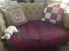 Just cheering up an old sofa. Cosy Sofa, Cheer Up, Shabby, Blanket, Crochet, Chrochet, Rug, Crocheting, Blankets