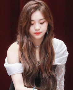 Who says you're not perfect? Kpop Girl Groups, Korean Girl Groups, Kpop Girls, Skinny People, Kim Ye Won, Cute Photography, G Friend, Queen, Korean Actresses