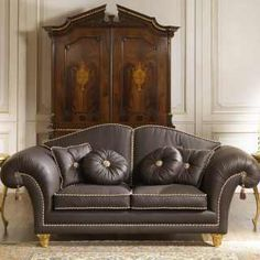 Luxury living room in leather – classic – collection Majestic: sofas two x fours for luxury interiors as domestic as for offices Small Living Room Chairs, Black Dining Room Chairs, Farmhouse Dining Chairs, Chairs For Small Spaces, Pink Chairs, Drawing Room Furniture, Corner Furniture, Furniture Plans, Kitchen Furniture