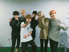 "BTS_official on Twitter: ""[#오늘의방탄] 부산 원아시아 페스티벌 무대에 오른 #방탄소년단 입니다. https://t.co/WyoxqBf0K2"""