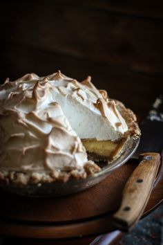 Butterscotch Meringue Pie Recipe : http://www.adventures-in-cooking.com/2013/04/butterscotch-pie-king-arthur-flour.html
