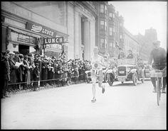 Clarence DeMar en route to winning the 1928 Boston Marathon.