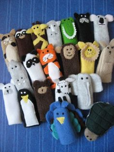 Zoo finger puppets (pattern is available from her website, too.)