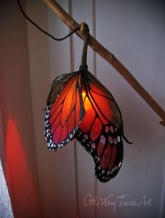 Little Wing Faerie Art — Silk butterfly and moth hanging lig.- Little Wing Faerie Art — Silk butterfly and moth hanging lights. Little… Little Wing Faerie Art — Silk butterfly and moth hanging lights. Bar Deco, Lampe Art Deco, Flower Lights, Flower Lamp, Stained Glass Lamps, Monarch Butterfly, Butterfly Cards, Butterfly Fairy, Lamp Shades