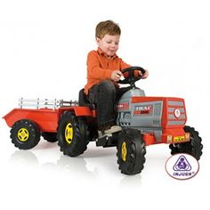 Tractor eléctrico en http://www.tuverano.com/coches-electricos-infantiles/418-tractor-electrico.html