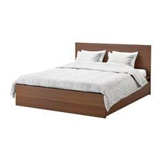IKEA - MALM, Cadre de lit, haut, 2 rangements, 140x200 cm, -, , Les 2 grands tiroirs sur roulettes offrent un espace de rangement supplémentaire sous le lit.Par un brossage du placage en frêne, nous avons renforcé le grain naturel et la riche texture du bois avant de les fixer à l'aide d'une couche de verni mat.Le placage en bois assurera une belle patine de la structure de lit.Les côtés de lit réglables permettent d'utiliser des matelas d'épaisseurs différentes.