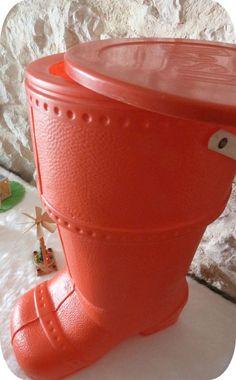 La botte du Père Noël pour ranger les jouets (baril de lessive Dash)