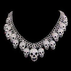 Halloween-Silver-Tone-Skull-Necklace-Pendant-Clear-AB-Rhinestone-Crystal-Gothic
