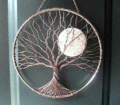 Soothing Tree Wire Tree of Life Wall Hanging by HomeB .- Beruhigender Baum Draht Baum des Lebens Wandbehang von HomeBabyCrafts Soothing Tree Wire Tree of Life Wall Tapestry by HomeBabyCrafts - Wire Trees, Wire Crafts, Moon Crafts, Wire Art, Beads And Wire, String Art, Metal Art, Metal Tree Wall Art, Wire Jewelry