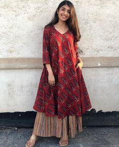 Pair it with narrow bottoms and there's your perfect work wear look. Pakistani Fashion Casual, Pakistani Dresses Casual, Indian Fashion Dresses, Pakistani Dress Design, Indian Designer Outfits, Kurti Pakistani, Salwar Kurta, Anarkali, Frock Fashion