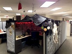 Below are the Halloween Cubicle Decoration Ideas. This post about Halloween Cubicle Decoration Ideas was posted under the Hallowen Decor Ideas category by our team at October 2019 at pm. Hope you enjoy it and don't forget to . Halloween Cubicle, Halloween Diy, Halloween 2019, Office Halloween Themes, Michaels Halloween, Halloween Pranks, Halloween Kitchen, Halloween Designs, Spirit Halloween