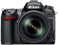 Nikon D7000, ben gek op mijn camera, wens er nog een paar lenzen bij :)