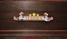 memories of childhood Teddy Bear Shop, Dollhouse Miniatures, Toy Chest, Trunks, Childhood, Artisan, Memories, Decor, Drift Wood