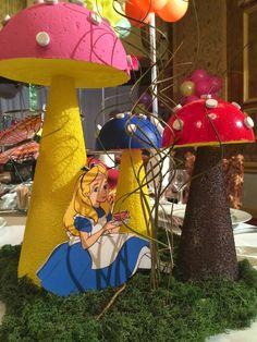 Alice in Wonderland Tree Centerpiece | Alice in Wonderland theme tea party decoration
