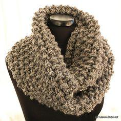 http://www.ravelry.com/patterns/library/chunky-crochet-circle-scarf-unisex #crochet #infinity #scarf #pattern #crochetpattern #lyubavacrochet