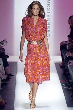See the complete Diane von Furstenberg Spring 2005 Ready-to-Wear collection.