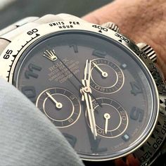 Browse through this large list of gentleman watch brands and admire the beauty and craftsmanship in this line up. Who knows, this list may help you find your next watch. Best Watches For Men, Mens Sport Watches, Luxury Watches For Men, Stylish Watches, Cool Watches, Simple Watches, Fossil Watches, Rolex Watches, Gentleman Watch