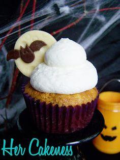 Her Cakeness: Bat Cupcakes // Fledermaus Cupcakes