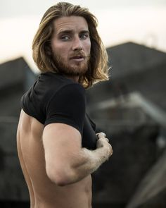Red Hair Men, Long Red Hair, Long Hair Cuts, Beautiful Redhead, Beautiful Men, Beautiful People, Hair And Beard Styles, Long Hair Styles, Ginger Models