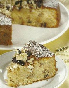 Receita de Bolo Rústico - Um bolo grande e delicioso, que só a mistura dos frutos secos e o mel, lhe podem proporcionar. Excelente para ser servido a qualquer hora do dia e em qualquer ocasião, a acompanhar uma bebida a seu gosto.