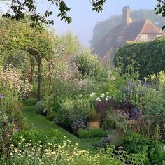 The 10 Best Garden Ideas Today (with Pictures) - Wonderful garden Town Place Garden A repost from : The lovely herb garden set within a private garden in Sussex that is open for charity in June & July. Culture D'herbes, The Secret Garden, Nature Aesthetic, Aesthetic Green, Walled Garden, Garden Cottage, Dream Garden, Garden Design, Beautiful Places