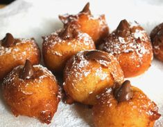 Traditional Italian zeppoles with chocolate hazelnut filling are a comforting treat that can be enjoyed at any time of the day. Chocolate Filling, Chocolate Hazelnut, Chocolate Donuts, Chocolate Dipped, Italian Desserts, Italian Recipes, Italian Foods, Italian Cookies, Donut Recipes