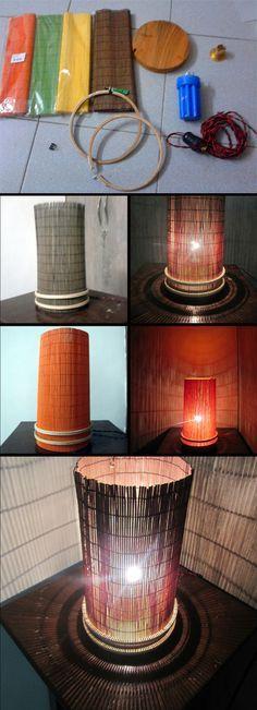 Lámpara de mesa con estera de bambú intercambiable