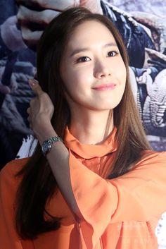韓国・ソウル(Seoul)のロッテシネマ建大入口店(롯데시네마 건대입구)で行われた映画『海賊:海に行った山賊(英題、Pirates)』のVIP試写会に出席した、ガールズグループ「少女時代(Girls' Generation、SNSD)」のユナ(Yoona、2014年7月29日撮影)。(c)STARNEWS ▼4Aug2014AFP 映画『海賊』VIP試写会、東方神起ユンホや少女時代ユナなどが出席 http://www.afpbb.com/articles/-/3022031 #Im_Yoona #Im_Yoon_Ah #임윤아 #林潤娥 #소녀시대_윤아 #SNSD_Yoona #少女時代_潤娥
