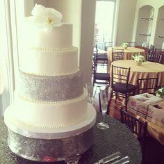 Glitter wedding cake #polkadotscupcakefactory #bzevents #greatgatsby