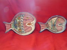 VINTGAGE, 2 FISH DESIGNED /SHAPED WALL HANGING PLATES, MADE IN GREECE BY SKYROS