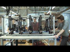 Трехмерный принтер для печати больших изделий<br><br>Доступные 3D-принтеры обычно способны печатать объекты лишь небольших размеров. Чтобы напечататься что-то большое, необходимо исходный проект разделить на несколько маленьких частей, распечатать их, а после скрепить при помощи спайки или клея...