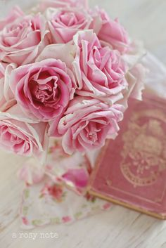 A Rosy Note!  Flowers and books!  My two passions!   ♥ Aline
