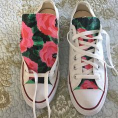 Hand painted converse White hand painted never worn converse. **New Price** Converse Shoes Sneakers Diy Converse, Converse Design, Painted Converse, Painted Canvas Shoes, Painted Sneakers, Painted Clothes, Hand Painted Shoes, Converse Shoes, Shoes Sneakers