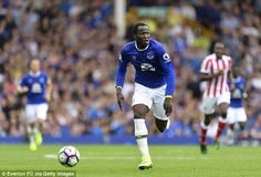 Toffees boss Ronald Koeman is looking to secure back-up for Romelu Lukaku (pictured)...