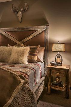 Lodge Bedroom, Western Bedroom Decor, Western Rooms, Contemporary Cabin, Guest Bedrooms, Cabin Bedrooms, Rustic Bedrooms, Rustic Bedding, Room Ideas Bedroom