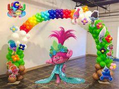 GustaDecoraciones Trolls Birthday Party, Troll Party, 1st Birthday Girls, 3rd Birthday Parties, Birthday Party Decorations, Naming Ceremony Decoration, Los Trolls, Halloween Backdrop, Balloon Decorations