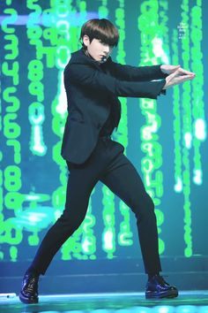 Jungkook definitly saved my entire 2016 with his Rainism performance. #Jungkook