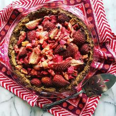 Keto strawberry rhubarb pie/tart. The how-to is in my stories. Turned out really yummy. #Keto #ketogenic #lchf #lowcarb #fitover40 #primal #paleo #fatadapted #loseweight #weightloss #if #intermittentfasting #nsv #insulinresistance #bocaraton #risingtidesociety #heal #foodismedicine #fitover40 #lowcarblife #type2diabetes #metabolicsyndrome #foodie #foodporn #thrive #midlife #thriveinmidlife #wellness #tweetme