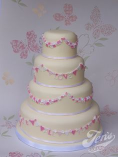 All you need is love - bunting cake