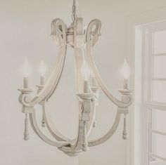 Antique farmhouse chandelier. Antique farmhouse chandelier. Antique wooden farmhouse chandelier chandelier. #Antiquefarmhousechandelier #farmhouse #chandelier Home Bunch's Beautiful Homes of Instagram ourfarmhousefit