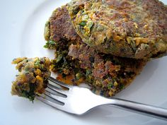 Black Quinoa, Sweet Potato and Kale Cakes #vegan