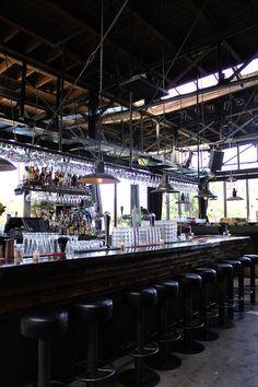 Industrial bar area   // repinned by www.boksteen.de
