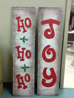 Distressed wood decor for Christmas. So easy to make!