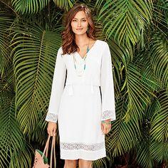 Obtenez un look tendance adapté à votre humeur et à chaque occasion avec Avon. Magasinez sur Avon.ca pour profiter d'une vaste sélection de hauts, robes, pantalons et plus!