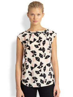 Marc By Marc Jacobs Pinwheel Floralprinted Silk Raglan Top in Black (AGAVE NECTAR MULTI)