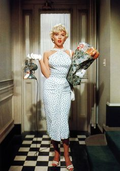 Marilyn Monroe in the Seven Year Itch (1955), costume design by William Travilla, via missmonroes