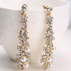 "<iframe src=""http://www.lightinthebox.com/fr/coree-ol-noble-noir-et-blanc-boite-super-flash-boucles-d-oreilles-diamant-europeens-et-americains-femme-sauvage-e549_p747646.html?utm_medium=personal_affiliate&litb_from=personal_affiliate&aff_id=51182&utm_campaign=51182"" width=""175"" height=""235"" frameborder=""0"" scrolling=""no"" marginheight=""0"" marginwidth=""0"" hspace=""0"" allorency=""true""></iframe>"