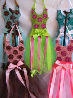 DIY Tutorial: Hair Accessories / DIY tutu hair bow holder and 10+ Adorable tutus from Etsy - Bead